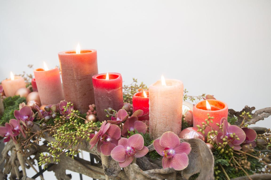 Démonstrations d'art floral sur le thème des fêtes de fin d'année