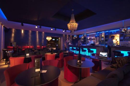 Découvrez une voix d'or, SaElle l'invitée exclusive du l'O Bar à Hamme-Mille !