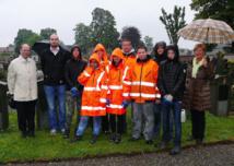 Waterloo : Sept jeunes rénovent les tombes d'anciens combattants de la Grande Guerre