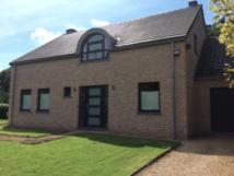 IMMO : Agréable et lumineuse maison à vendre à proximité de Dinant, Ciney et Namur.