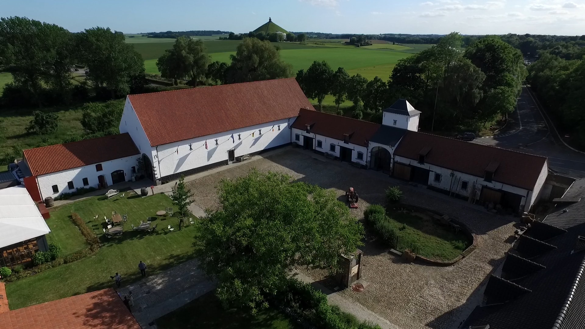 Ferme de Mont saint-jean : the place to be
