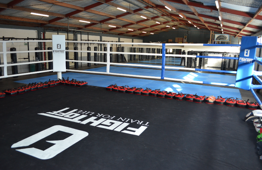 Fight-Off Wavre : Embouteillage sur le ring… (Boxe - Krav Mag - MMA - Wavre - Brabant wallon)
